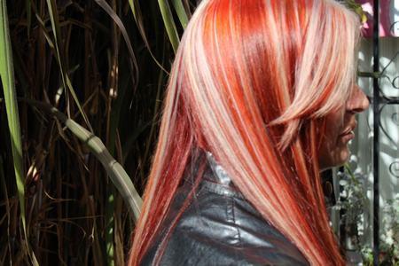 sitio web escolta cabello rojo