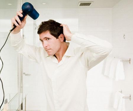 secado del cabello masculino
